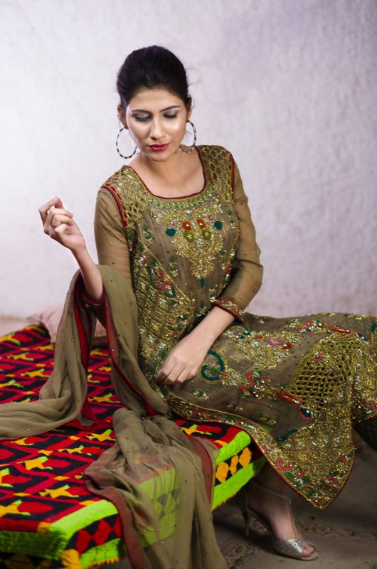 Simple Mehndi Dress