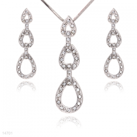 Tri-Linked and earring set,