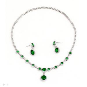 crystal wreath necklace,